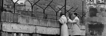 Gebouwde Berlijnse Muur is klaar