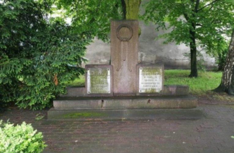 Monument van dankbaarheid aan het Rode Leger in Polen wordt afgebroken