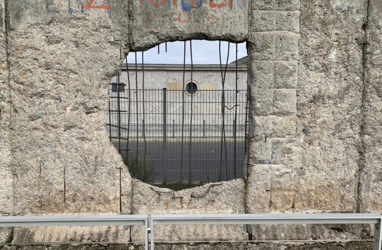 Er waren 'gaten in de Muur'