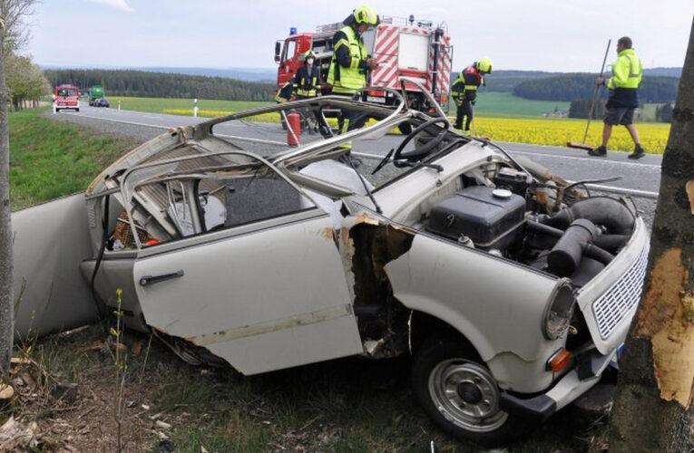 Trabant helemaal in de kreukels bij ongeval in Heinersdorf