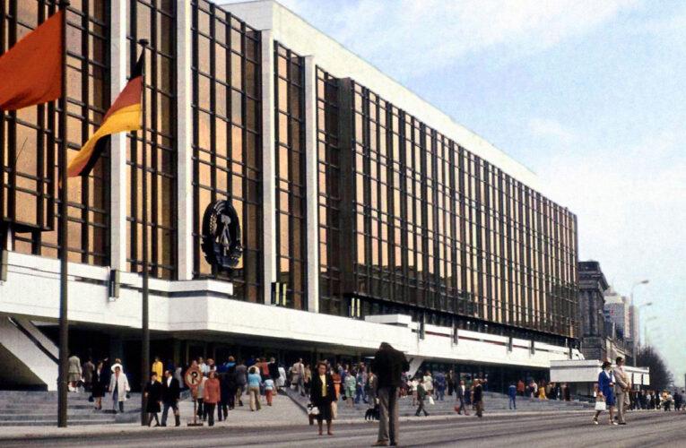 Het DDR Staatswapen verdween in 1990