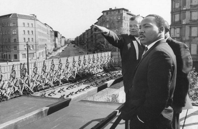 Martin Luther King op één dag in Oost- èn West-Berlijn