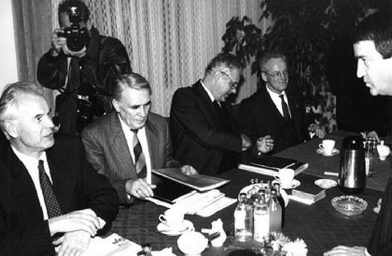 'Ronde tafel' opent de deur naar democratie in Oost-Duitsland